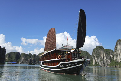 Du Thuyền Hạ Long Aclass Cruise