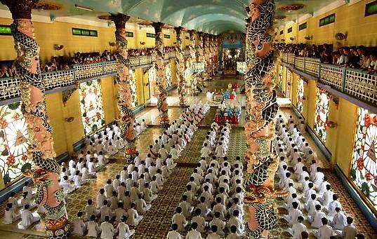 Thăm Quan Tòa Thánh Cao Đài Tây Ninh - Địa Đạo Củ Chi 1 Ngày